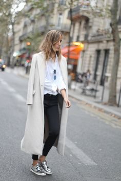 Metallic Silver Sneakers Look Outfit Winter
