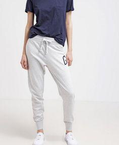 GAP Spodnie dresowe szare damskie grey