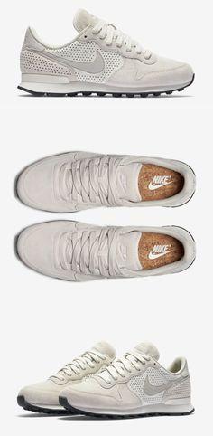 Sneakers nike internationalist shoes online 57 Ideas for 2019 Nike Internationalist, Sneakers Mode, Sneakers Fashion, Fashion Shoes, Mens Fashion, Nike Free Shoes, Running Shoes Nike, Nike Shoes, Nike Retro