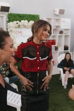 Zendaya at CHI's Real Is Beautiful West Hollywood rooftop event Zendaya Coleman, Zendaya Style, Zendaya Outfits, Natural Braided Hairstyles, Hollywood Celebrities, Famous Celebrities, Famous Women, Famous People, Fashion Line
