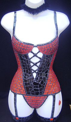 mosaic corset - red