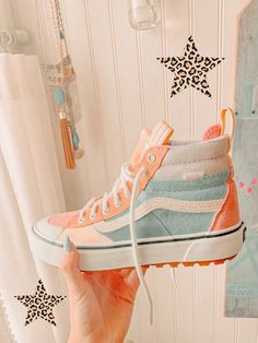 Sneakers Fashion, Fashion Shoes, Shoes Sneakers, Kd Shoes, Girls Shoes, Aesthetic Shoes, Hype Shoes, Fresh Shoes, Vans Sk8