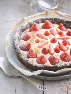 Pretty ~ looks delicious I Love Food, Good Food, Yummy Food, Thermomix Desserts, Pie Dessert, Sans Gluten, Cookies, How To Make Cake, Just Desserts