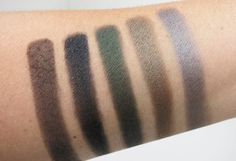 Make Up For Ever Artist Palette 30 Years. 30 Colors. 30 Artists  - Review and Swatches (Smoky Palette)