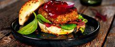 Ingredienslisten for en god veggisburger er lang, men det sikrer også mye å tygge på og ikke minst mer smak enn hva du får til med kjøtt alene. Tar du utfordringen?