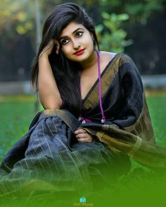 Here is another beautiful gallery of Indian women in saree. Beautiful Girl Photo, Beautiful Girl Indian, Most Beautiful Indian Actress, Beautiful Saree, Beautiful Ladies, Girl Photography Poses, Girl Photo Poses, Girl Poses, Fashion Photography
