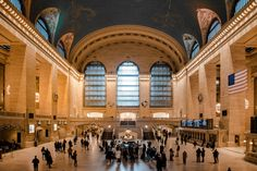 Best NYC Instagram Spots: 21 Locations With Map - Dana Berez New York City Vacation, New York City Travel, New York City Pictures, New York Photos, Best Places In New York, Places To Travel, Places To Go, Instagram New York, New York Outfits