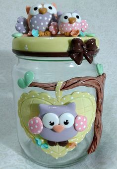 Used an old jam jar for making such cute owl sculpture. A great addition to my kitchen shelf Polymer Clay Ornaments, Polymer Clay Crafts, Polymer Clay Creations, Mason Jar Gifts, Mason Jar Candles, Mason Jar Diy, Clay Jar, Fimo Clay, Hobbies And Crafts