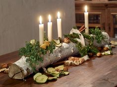 Christmas Advent Wreath, Xmas Wreaths, Christmas Candles, Advent Wreaths, Christmas Stockings, Log Centerpieces, Christmas Table Centerpieces, Christmas Tree Decorations, Deco Table Noel