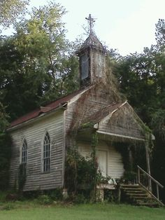 Old Church building with steeple and cross Abandoned Churches, Abandoned Property, Old Churches, Abandoned Mansions, Abandoned Places, Old Country Churches, Church Building, Chapelle, Place Of Worship