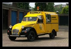 Peugeot, Commercial Van, Van Car, Vintage Vans, Fiat 500, Amazing Cars, Camper Van, Bugatti, Porsche