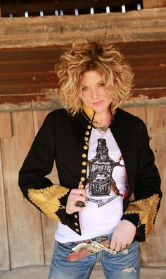 miranda lambert's mamas broken heart raglan by junk gypsy // vintage band jacket // #curlyhair {junk gypsy co}