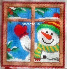DECO.KDO.NAT: Perles hama: tableau bonhomme de neige fenêtre