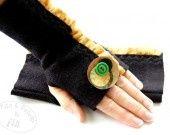 Guanti senza dita in lana riciclata nero con ruches : Mezziguanti, guanti di filoecoloridiila su ALittleMarket #glove #handwarmers #recycled #handmade #fall #winter