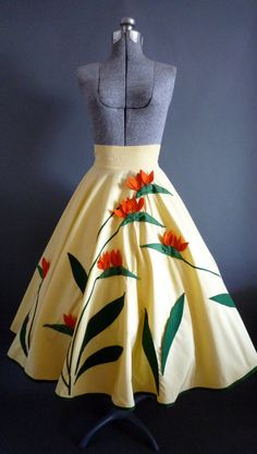 Fabulous vintage full circle high waist skirt by Juli Lynne Charlot California. This absolutely amazing unique skirt is yellow with felt Pretty Outfits, Beautiful Outfits, 1950s Fashion, Vintage Fashion, Vintage Dresses, Vintage Outfits, Vintage Skirt, Mode Vintage, Up Girl