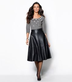 Falda capa mujer símil piel Leather Midi Skirt, Black Leather Skirts, Leather Dresses, Casual Chic, Casino Outfit, Couture, Night Outfits, Sport Girl, Boss Lady