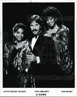 1992 Press Photo Tony Orlando Lead Singer, Tony Orlando & Dawn With Singers