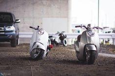 Honda Bikes, Honda Motorcycles, Custom Motorcycles, Custom Bikes, Cars And Motorcycles, Moped Scooter, Vespa, Honda Metropolitan, Scooter Custom