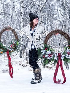 My 2015 Holiday Home Tour - A Pretty Life In The Suburbs Christmas Cookies, Christmas Wreaths, Christmas Candy, Christmas Recipes, Bran Muffins, Raisin Muffins, Fall Yarn Wreaths, Lemon Bundt Cake, Lemon Loaf