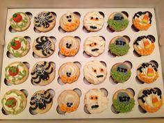 decorating mini cupcakes for halloween