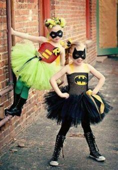 Batman & Robin tutu cosplay or perfect Halloween costumes. Superheros in tutus. Batman I Robin, Robin Superhero, Batman Girl, Batman Tutu, Kids Batman, Superhero Party, Girl Superhero Costumes, Batman Costumes, Batman Batman