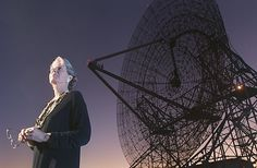 Astronomer Jill Tarter will now work to expand research at and fundraise for the SETI Institute