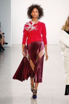 The complete Bibhu Mohapatra Fall 2018 Ready-to-Wear fashion show now on Vogue Runway.