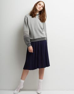 Le Ciel Bleu Fur x Sweat Top and Knit Pleated Skirt