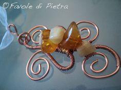 Amuleto in rame con ambra baltica e calcite di FavolediPietra, €20.00