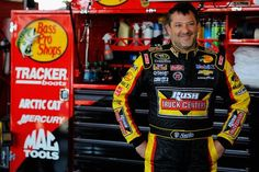 Tony Stewart: NASCAR driver hits, kills on-foot driver during dirt-track race