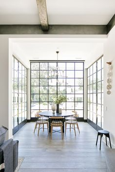 Home interior Design Videos Living Room Hanging Plants Link – Right here are the best pins around Coastal Home interior! Home Interior Design, Interior Architecture, Interior Decorating, Home Window Design, White House Interior, Interior Windows, Cafe Interior, Luxury Interior, Custom Home Builders