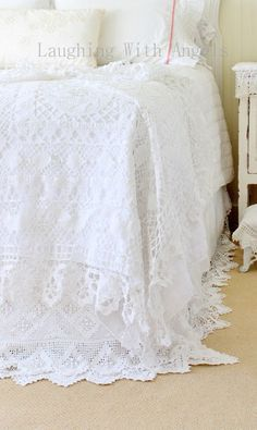 DIY... Tablecloth into Shabby White Bedspread!