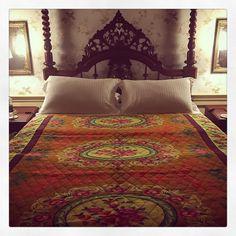 GOODNIGHT FROM GOA   Love my new blanket   #buyoftheday #ineedabiggersuitcase