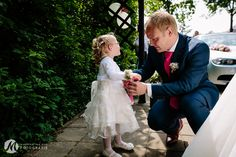 Bruidsmeisje, bruidsbloemen, trouwen, huwelijk, bruidsfotografie, trouwfotografie