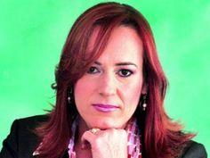 Ministra de la Mujer busca enfrentar feminicidios con educación