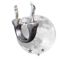 Little men and women living their very human lives on silver and bronze rings and pendants. By an emerging Iranian designer Fojan Amiri Garoosi @fojan.jewelry  #fojanjewelry #fojan #designerjewelry #jewelry  #ring #avantgardejewelry #avantgarde #contemporarydesign #emergingdesigner #denialofentry