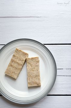 These no-bake pineapple coconut bars are gluten-free, grain-free, dairy-free and paleo!