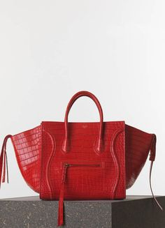 MEDIUM LUGGAGE PHANTOM HANDBAG IN VERMILION CROCODILE 30 X 28 X 24 CM (12 X  11 X 9 IN) ALLIGATOR AND NAPPA LAMBSKIN LINING 169954TCH.27VL 27.000 EUR 65a3f9e4d0