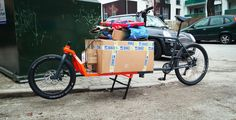 """""""Another test to see if everything roughly fits. Taking shape already! See how this cargo bike is built… in 100 photos, here… Online Home Design, Home Design Magazines, Cargo Bike, Taking Shape, Garden Architecture, Tricycle, Magazine Design, Paper Shopping Bag, Metal Working"""