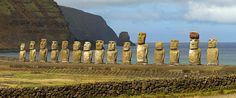 Расположенный в 3000 км к западу от Чилийского побережья, Остров Пасхи или Рапа-Нуи представляет собой крошечный островок, который стал популярным благодаря своей изоляции на просторах Тихого океана.