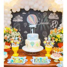 #mulpix De sábado!  Tema balão de ar quente! Niver do Dudu! Pense num galego lindo!  #festabalao  #temabalao  #balaodearquente  #festade1ano  #partydecor  #festainfantil  #kidsparty  #festademenino