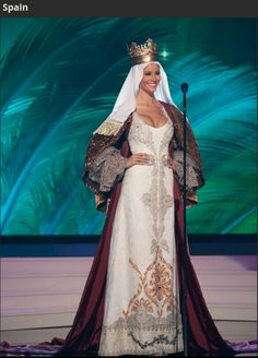Spain Miss Universe 2014 National Costume Queen Isabel