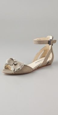 Leni Canvas Bow Sandals / Vera Wang