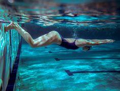 Bonne nouvelle, la natation, sport très complet, permet de solliciter tout le corps et de travailler les muscles en profondeur. Mais voilà, on ne sait...