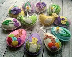 PRE ORDER for Easter / Felt Easter ornaments, Felt Easter decoration, felt eggs with flowers, birds, Felt Easter eggs, Spring decoration