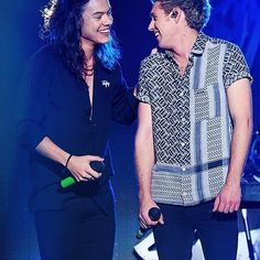 One Direction Fotos, One Direction Collage, One Direction Harry, One Direction Pictures, Niall Und Harry, Foto One, Harry Styles Photos, Mr Style, Style Icons