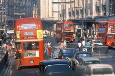 62 Beautiful Ektachrome Snapshots of London in the Early ~ vintage everyday City Of London, London Bus, Hyde Park London, London Life, Vintage London, Old London, Puerto Rico, Routemaster, Swinging London