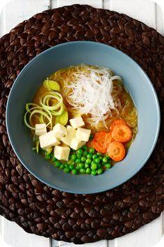 Frl.Moonstruck kocht: Miso-Suppe mit Gemüse, Glasnudeln und Seidentofu