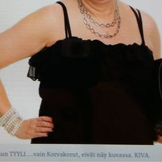 Minä&MUOTI TYYLI JUHLA. Tykkään Muodista, ASUSTEISTA..KORUISTA, laukuista, kengistä huiveista jne. SEURAA BLOGIA. #muoti #tyyli #korut #asusteet #blog #vogue ☺