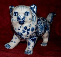 """French Faience 'Desvres' Cat c1910. Small (7"""" long)."""